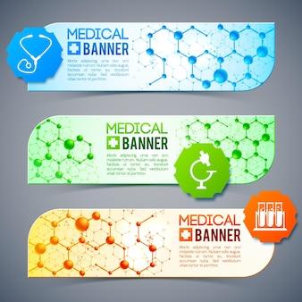 Tres banderas médicas con símbolos y signos, cápsulas medicinales y diferentes objetos.