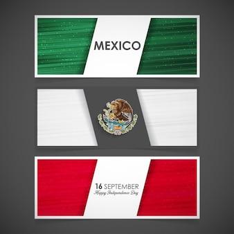 Tres banners con la bandera de méxico para el día de la independencia