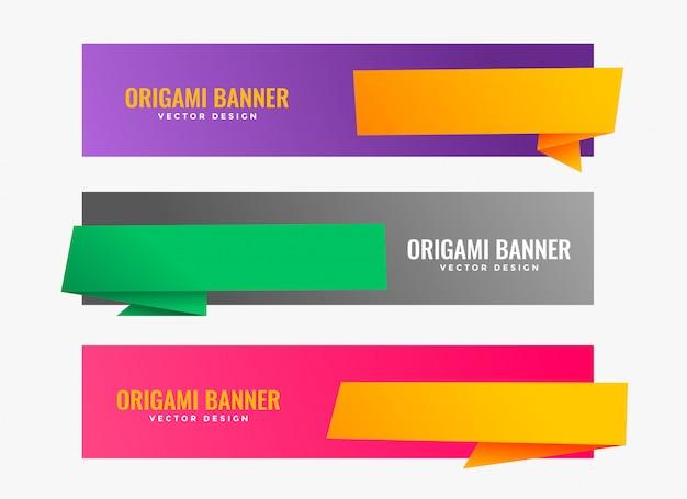Tres banners de origami con espacio de texto