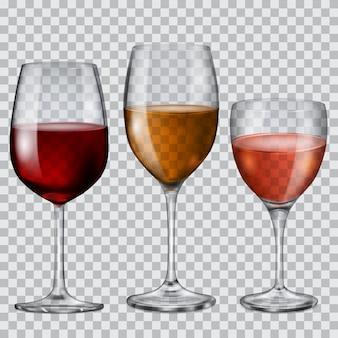 Tres copas de cristal transparente con vino de varios colores