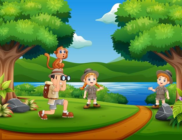 Tres cuidadores de la selva