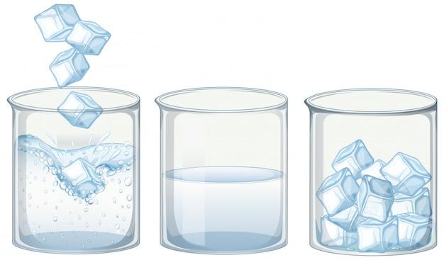 Tres vasos de agua con hielo.