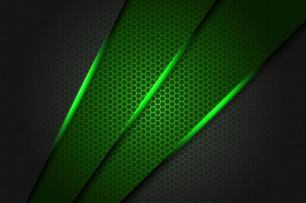 Triángulo de barra verde abstracto metálico sobre gris oscuro con patrón de malla hexagonal