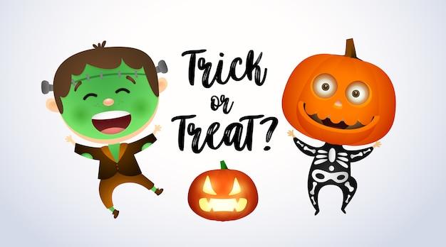 Trick or treat, niños con disfraces de zombies y calabazas