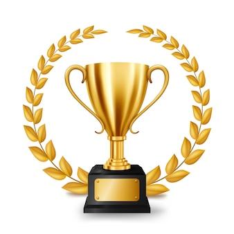 Trofeo de oro realista con corona de laurel de oro
