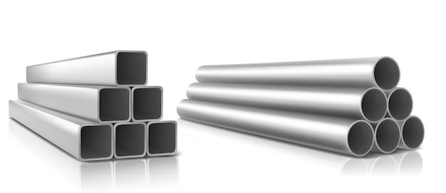Tuberías apiladas, cuadradas y redondas de acero recto, tuberías de plomería metálicas o de pvc.