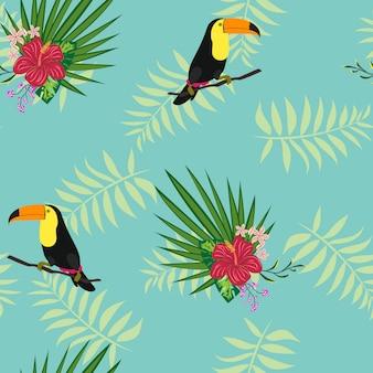 Tucán con hojas y flores tropicales.