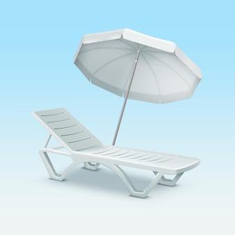 Tumbona de plástico con sombrilla de playa blanca aislada sobre fondo azul degradado