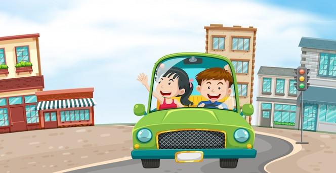 Un par de conducción en la ciudad