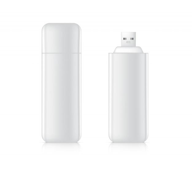 Unidad flash usb 3d realista para almacenamiento de memoria portátil sobre fondo blanco. diseño de concepto de plantilla de objeto de tecnología.