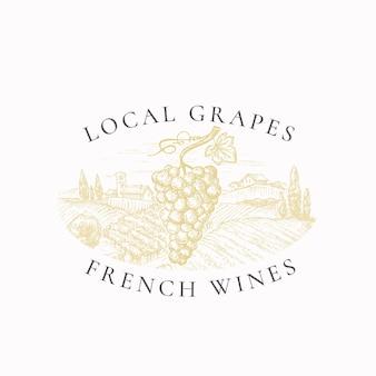 Uvas locales vinos franceses viñedo insignia retro o plantilla de logotipo