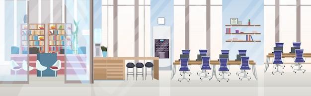 Vacío sin gente creativo centro de trabajo compartido sala de capacitación de conferencias con mostrador de recepción escritorio espacio de trabajo oficina moderna interior plano horizontal banner