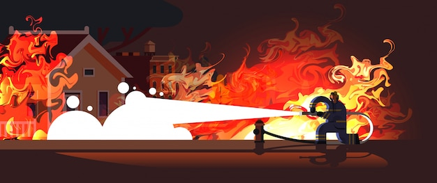 Valiente bombero extintor llama en casa en llamas bombero vistiendo uniforme y casco rociando agua para disparar concepto de servicio de emergencia