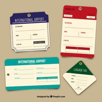 Varias etiquetas de equipaje planas