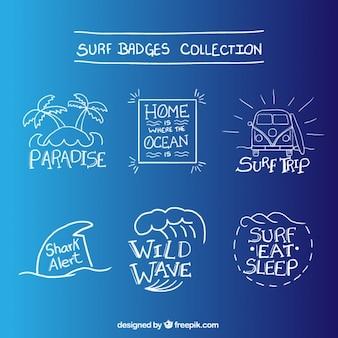 Variedad de insignias de surf dibujadas a mano