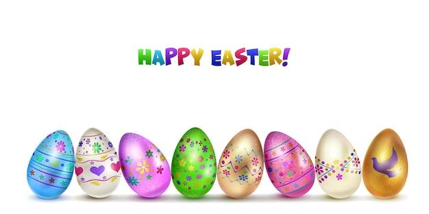Varios huevos de pascua en varios colores con símbolos de vacaciones sobre fondo blanco.