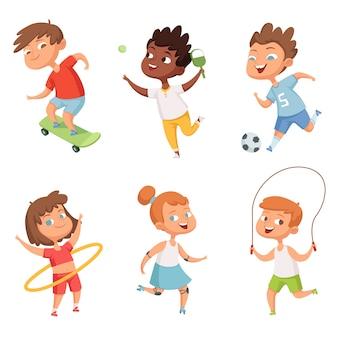 Varios niños en deportes activos. caracteres