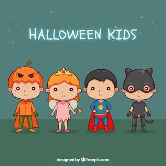 Varios niños dibujados a mano preparados para halloween