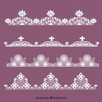 Varios ornamentos de encaje