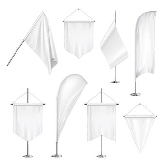 Varios tamaños, formas, banderines, banderas, banderas, blanco, blanco, colgante y en postes, ilustración realista del conjunto