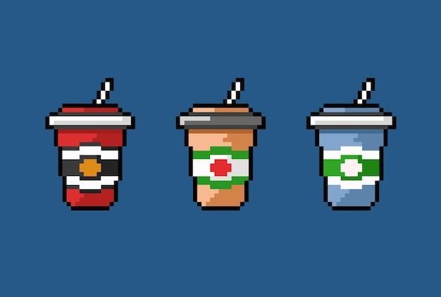 Vaso de bebida con pajita en estilo pixel art