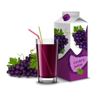 Vaso de jugo realista con rama de uva de cóctel y paquete aislado sobre fondo blanco