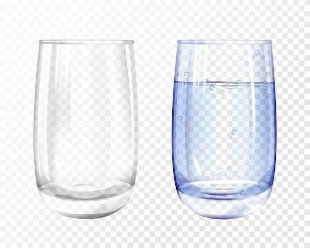 Vaso realista vacío y taza con agua azul sobre fondo transparente.