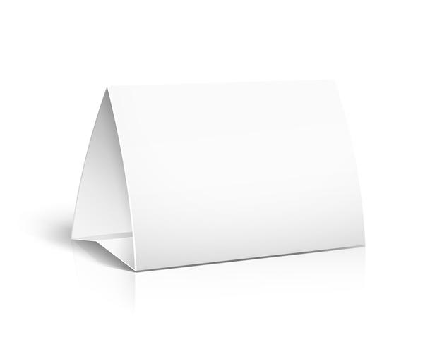 Vector 3d tarjeta de papel de mesa sobre fondo blanco.