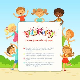 Vector cartel para fiesta de niños. divertidos niños diferentes en poses activas. banner de fiesta infantil con gracioso