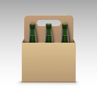 Vector cerrado en blanco vidrio transparente verde botellas de cerveza ligera