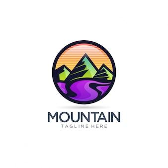 Vector de logotipo de montaña y río
