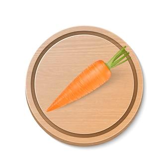 Vector realista zanahoria en tabla de cortar de madera marrón aislada