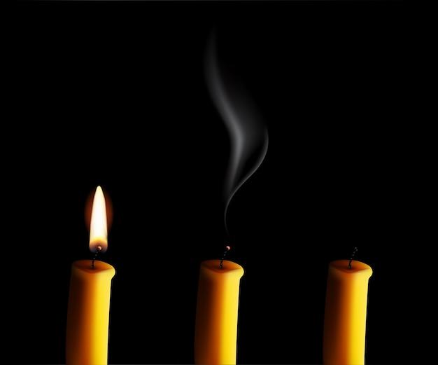 Vela realista con fuego, vela apagada con smog y el final de la vela aislado sobre fondo negro.