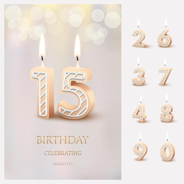 Velas de cumpleaños número 15 encendidas con texto de celebración de cumpleaños sobre fondo borroso claro y velas de cumpleaños encendidas para otras fechas.