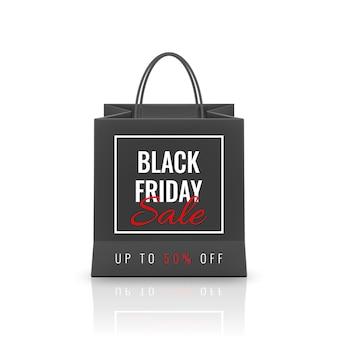 Venta de viernes negro. bolsa de papel realista con asas aisladas sobre fondo blanco.