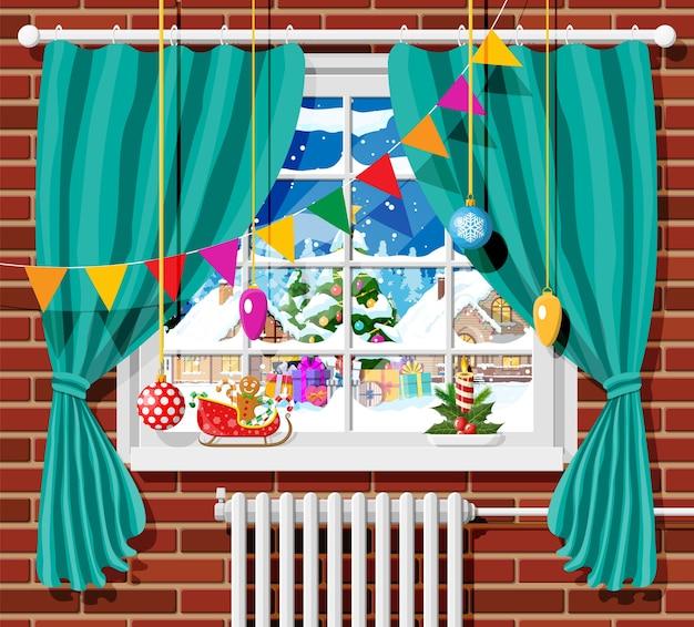 Ventana de invierno con cortinas y vista desde la habitación
