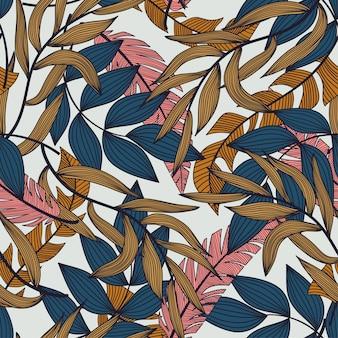 Verano abstracto de patrones sin fisuras con coloridas hojas y plantas tropicales sobre fondo blanco.