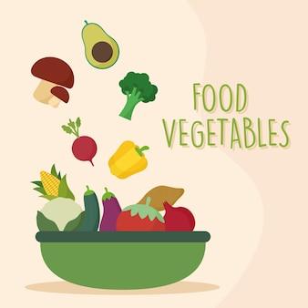 Verduras frescas en bandeja verde