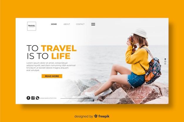 Viajar es vivir la página de inicio de viaje con foto