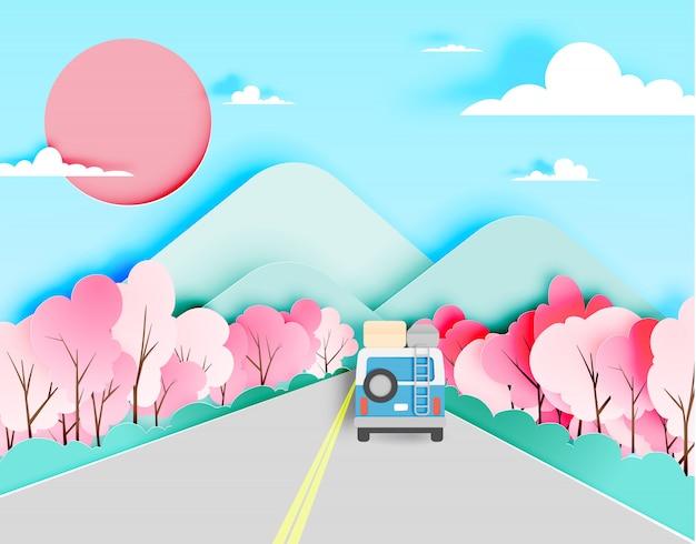 El viaje por carretera con el coche en la temporada de primavera y el papel de fondo de esquema de color pastel natural cortan estilo ilustración vectorial