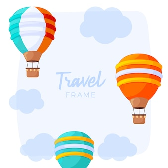 Viaje en globo aerostático con nubes y un cielo azul.