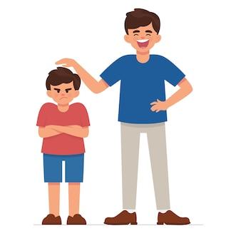 Viejo hermano molesta a su hermano menor porque demasiado corto