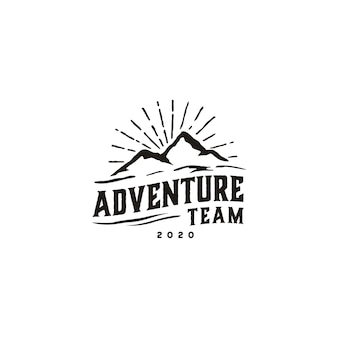 Vintage hipster retro mountain logo diseño