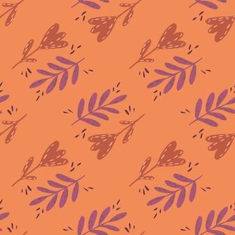 Vintage de patrones sin fisuras con ramas de hojas dibujadas a mano y elementos florales sobre fondo naranja.