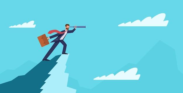 Visión empresarial. hombre de negocios en la cima de la montaña con telescopio. éxito nueva idea, inicio de negocios, pronóstico visionario, símbolo de liderazgo y ambición, concepto de dibujos animados de vector plano