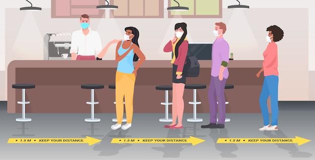 Visitantes de la cafetería manteniendo la distancia para evitar la pandemia de coronavirus interior del restaurante horizontal