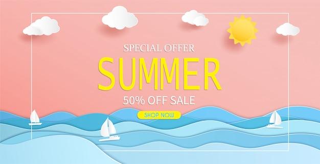 Vista al mar y diseño de banner de venta de verano con papel cortado.