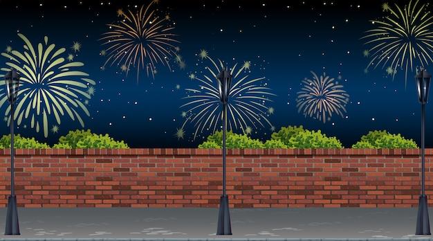 Vista de la calle con escena de fuegos artificiales de celebración