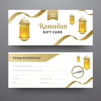 Vista frontal y posterior de la tarjeta de regalo ramadán decorada con colgantes.