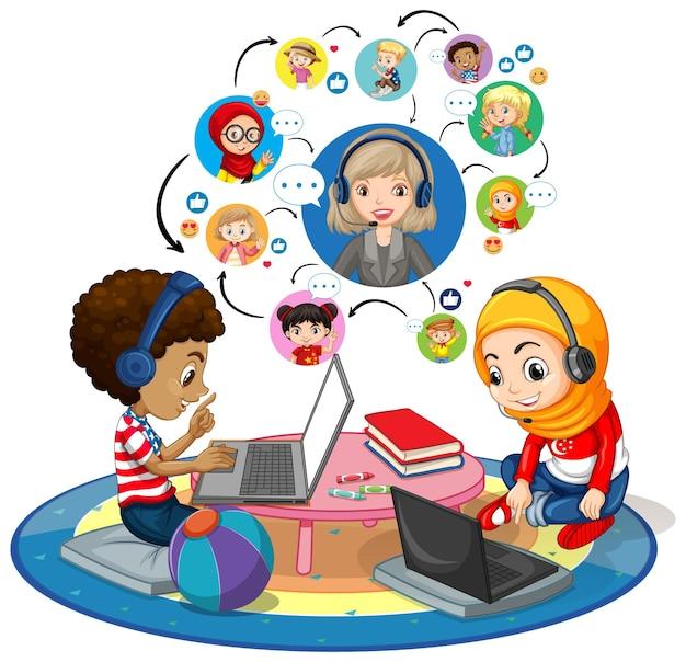 Vista lateral de los niños que usan la computadora portátil para comunicarse por videoconferencia con el maestro y amigos sobre fondo blanco.